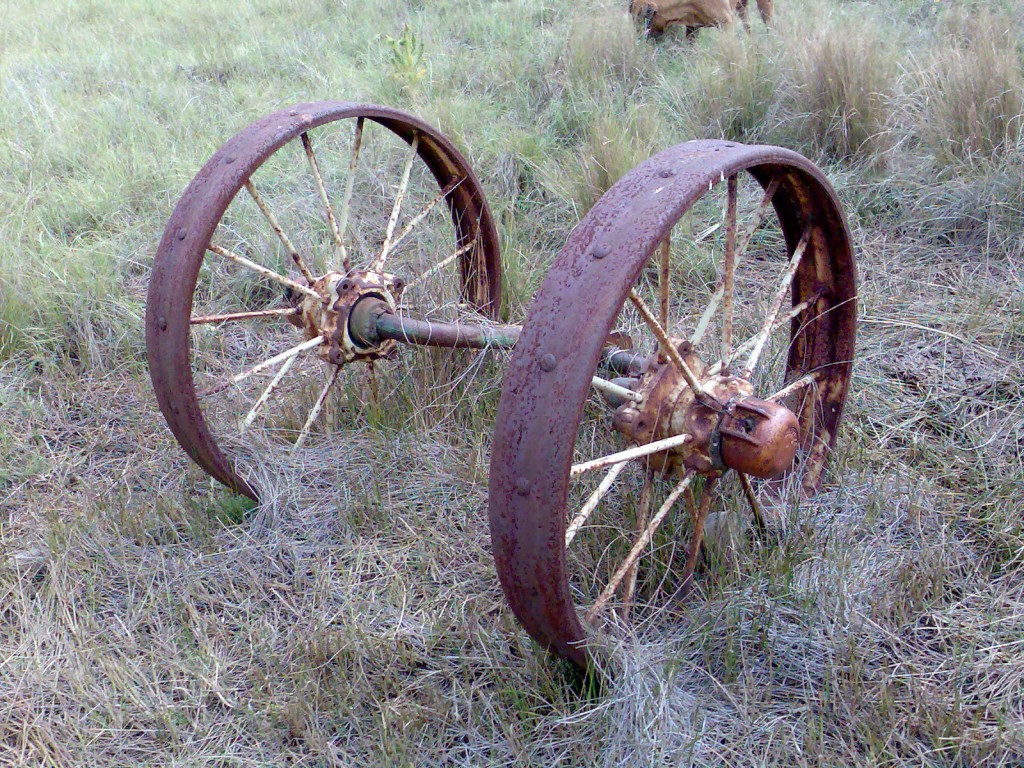Pair_of_wheels_with_metal_spokes_and_tyres_near_Dordrecht,_Eastern_Cape
